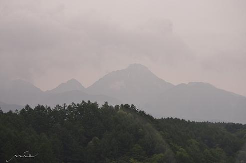 赤岳を望む