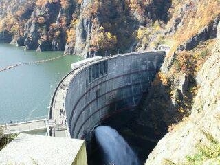 レストハウスから見た豊平峡ダムです。
