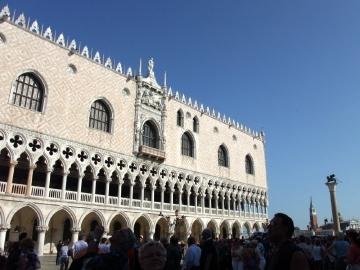 ベネチア039ドゥカーレ宮殿前