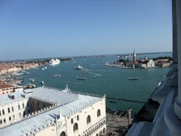 ベネチア062鐘楼からの眺望