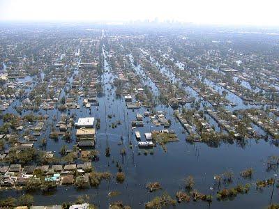 800px-Katrina-new-orleans-flooding3-2005.jpg
