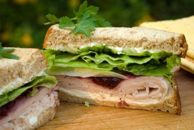 leftover-thanksgiving-sandwich-recipe-horiz.jpg