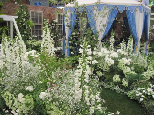 ホワイト・ガーデンのガーデンパーティー
