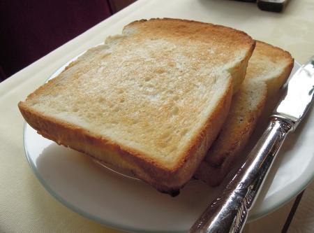 万平朝パン