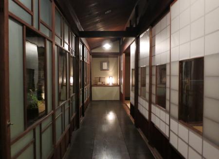 ろここ廊下