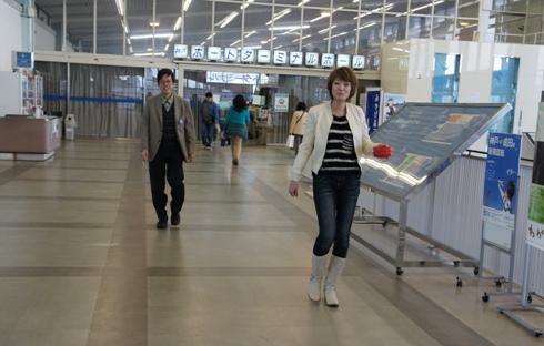 0)ターミナルホールの12リングショー
