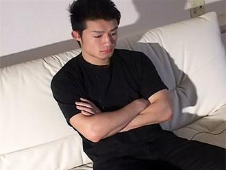 ゲイ動画:ハンサム兄ちゃんウブウブチンポをしごいてGO !!