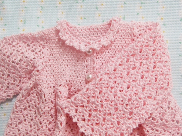 ベビードレスの衿