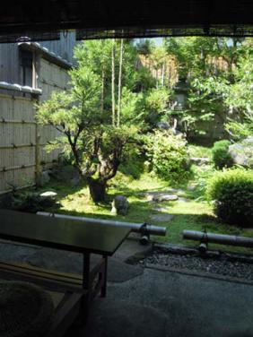 20120910-hikone-bunpuku02-.jpg