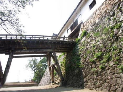20120910-hikone05-roukabash.jpg