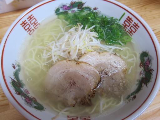 あごちゃん本店(塩中華)