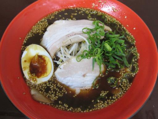 勝ちゃん(魚介系黒ラーメン)