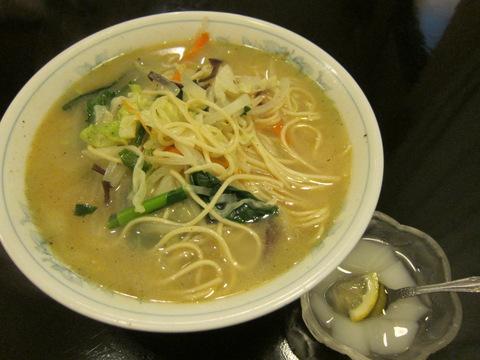 家族菜館(素菜湯麺)