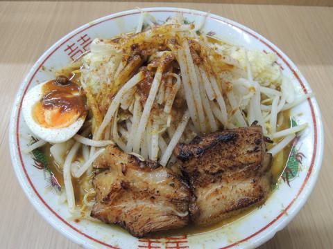 カレーラーメン(750円)