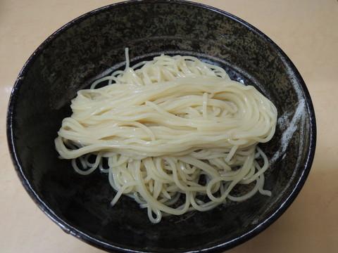 替え玉(細麺)150g(100円)