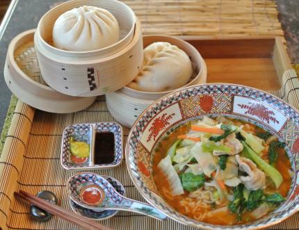 中華饅頭と野菜中華
