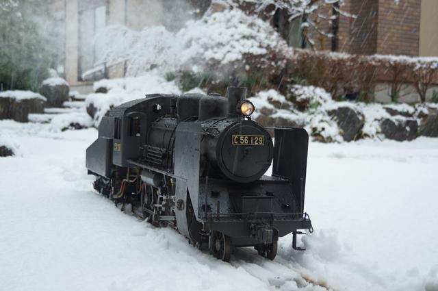 雪の中のC56 129