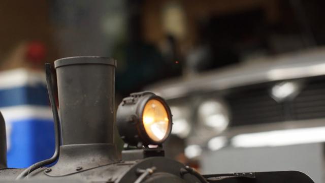 C56に装着されている前照灯、点燈中