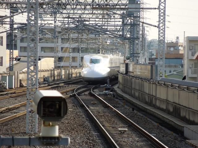 新横浜駅に到着するN700