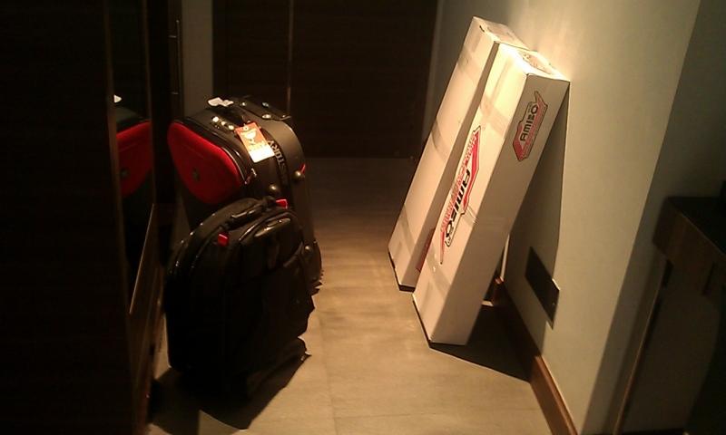 luggagesleavingbkk.jpg