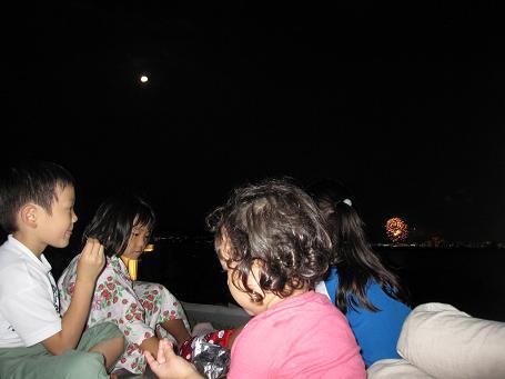夜の草屋根ピクニック