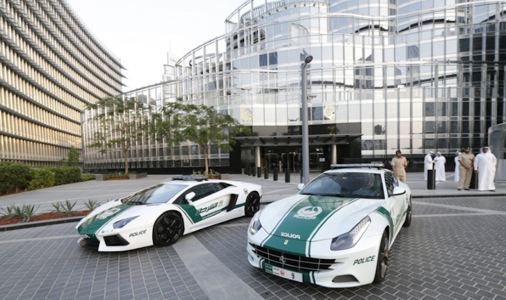Dubai-Police-Aston-Martin-One-77-007.jpg