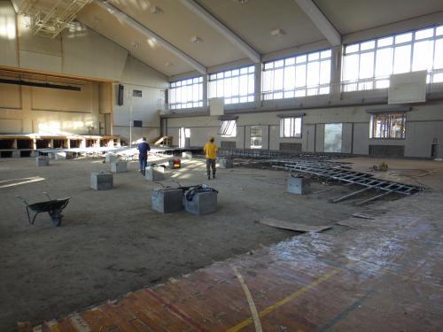 鳴瀬第二中学校 体育館