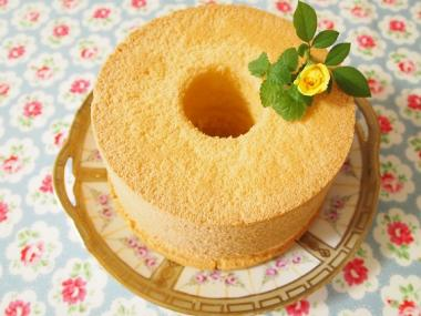 chiffon cake blueberry cream