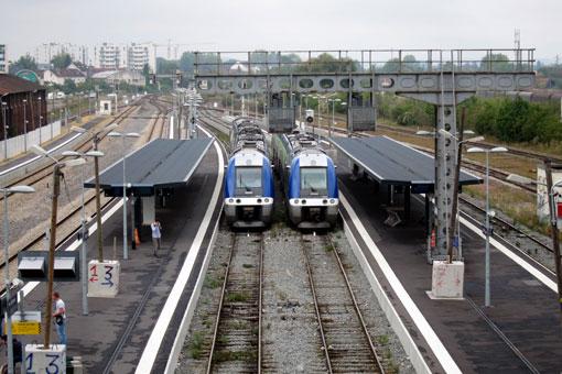 LAONラン駅