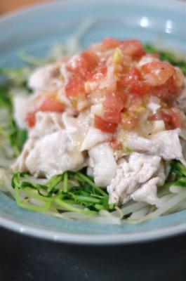 塩麴トマトドレッシングで豚肉の冷しゃぶ