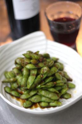 枝豆のさやごとピリ辛炒め