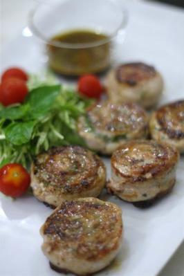 バジル入り塩麴豚ロールステーキ