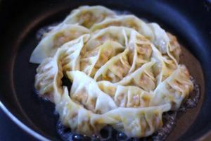 豚キムチ餃子3