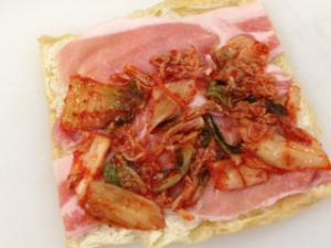 豚キムチチーズの油揚げロール2