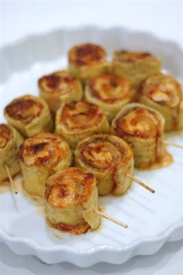 豚キムチチーズの油揚げロール