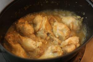 鶏手羽元の塩麴煮込み4