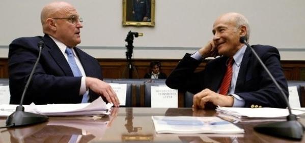 リチャード・アーミテージ元国務副長官(左)とジョセフ・ナイ元国防次官補(右)