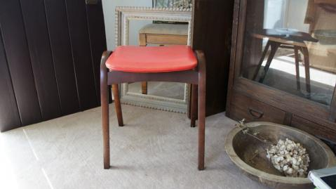 chair_kenmochi_red_01.jpg