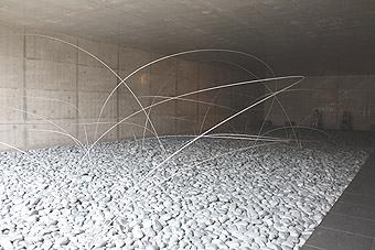 奈義町現代美術館3大地
