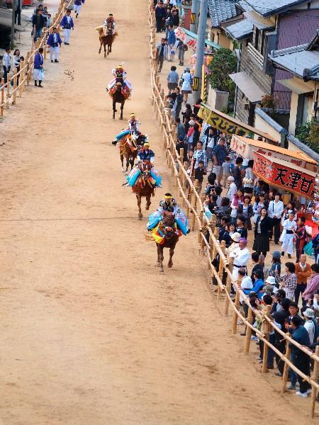 今治市 菊間祭り お供馬の走り込み