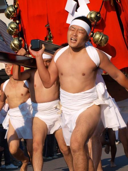 松山市 秋祭り 勝岡八幡神社 一体走り 午前7時30分から