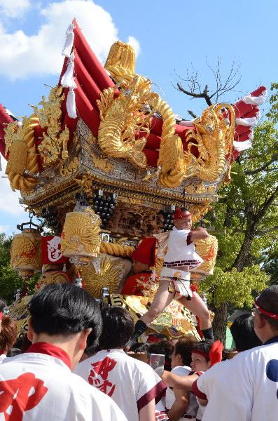 兵庫県高砂市 曽根天満宮の秋祭り 屋台宮入 中筋西
