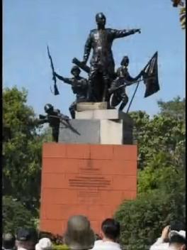 チャンドラ・ボースの像