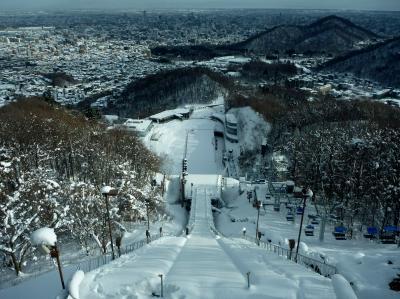 大倉山ジャンプ競技場のスタート台から見下ろす札幌市街。