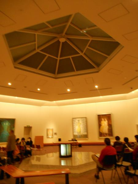 美術館のホール