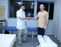 マイケル・クラーク施術後握手