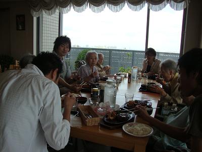 東京都 足立区 介護老人保健施設(入所・短期入所・通所リハビリ) 千寿の郷 外食 海鮮 レク 外出 散歩 食事