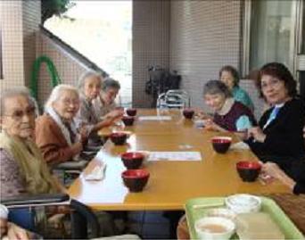 東京都 足立区 介護老人保健施設(入所・短期入所・通所リハビリ) 千寿の郷 外食 バーベキュー 焼きそば 焼肉
