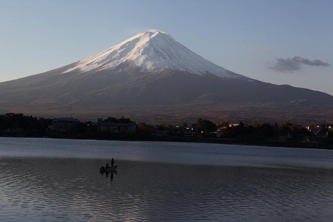 富士から見れば 木の葉に乗った一寸法師かな・・IMG_7718