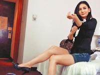 台湾の学生運動のアイドル「太陽花女王」 劉喬安(Johanne Liou)が援交の交渉をしてる動画が流出